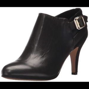 Vince Camuto Vayda Black Ankle Boots 9
